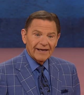 Kenneth Copeland - Relax in God to Be Healed
