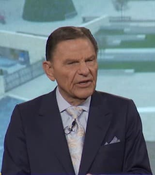Kenneth Copeland - God Is a Covenant-Keeping God