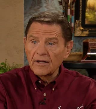 Kenneth Copeland - The Covenant Meal That Will Heal
