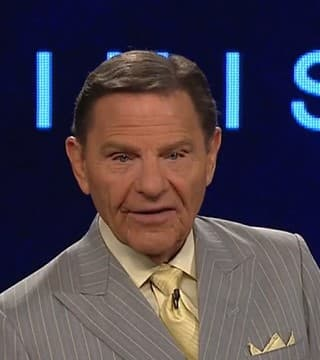 Kenneth Copeland - Faith And Victory Are Inside You