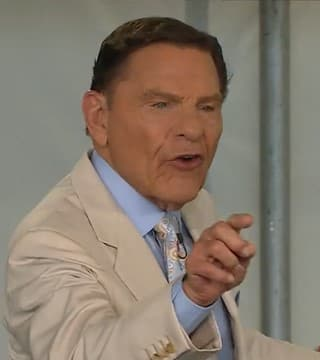 Kenneth Copeland - Anointed To Live In The Blessing