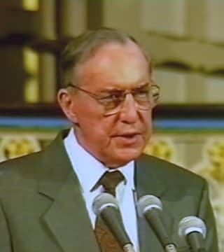 Derek Prince - How To Respond To The Shaking Of All Things