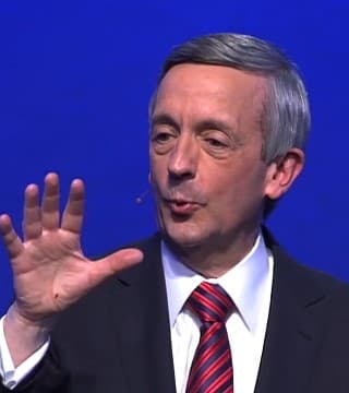 Robert Jeffress - Choosing Contentment Over Comparison
