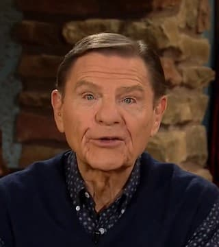 Kenneth Copeland - The Blessing Is in the Earth