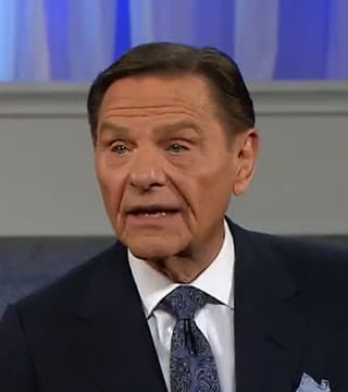 Kenneth Copeland - Faith Has Corresponding Action